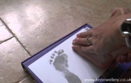 How to take Inkless prints of hands, feet or paws for silver jewe...