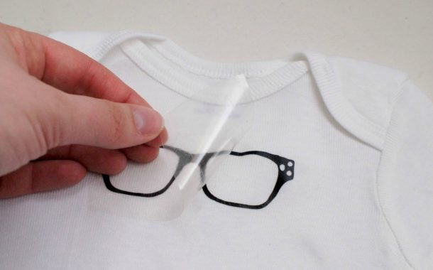 How To Apply Iron-On Vinyl for T-shirts or Clothing with the Silh...