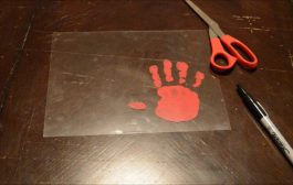Toddler Tuesday l Keychain Handprint...