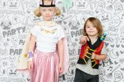 How to Craft a Boo-tiful Halloween Photo Backdrop...