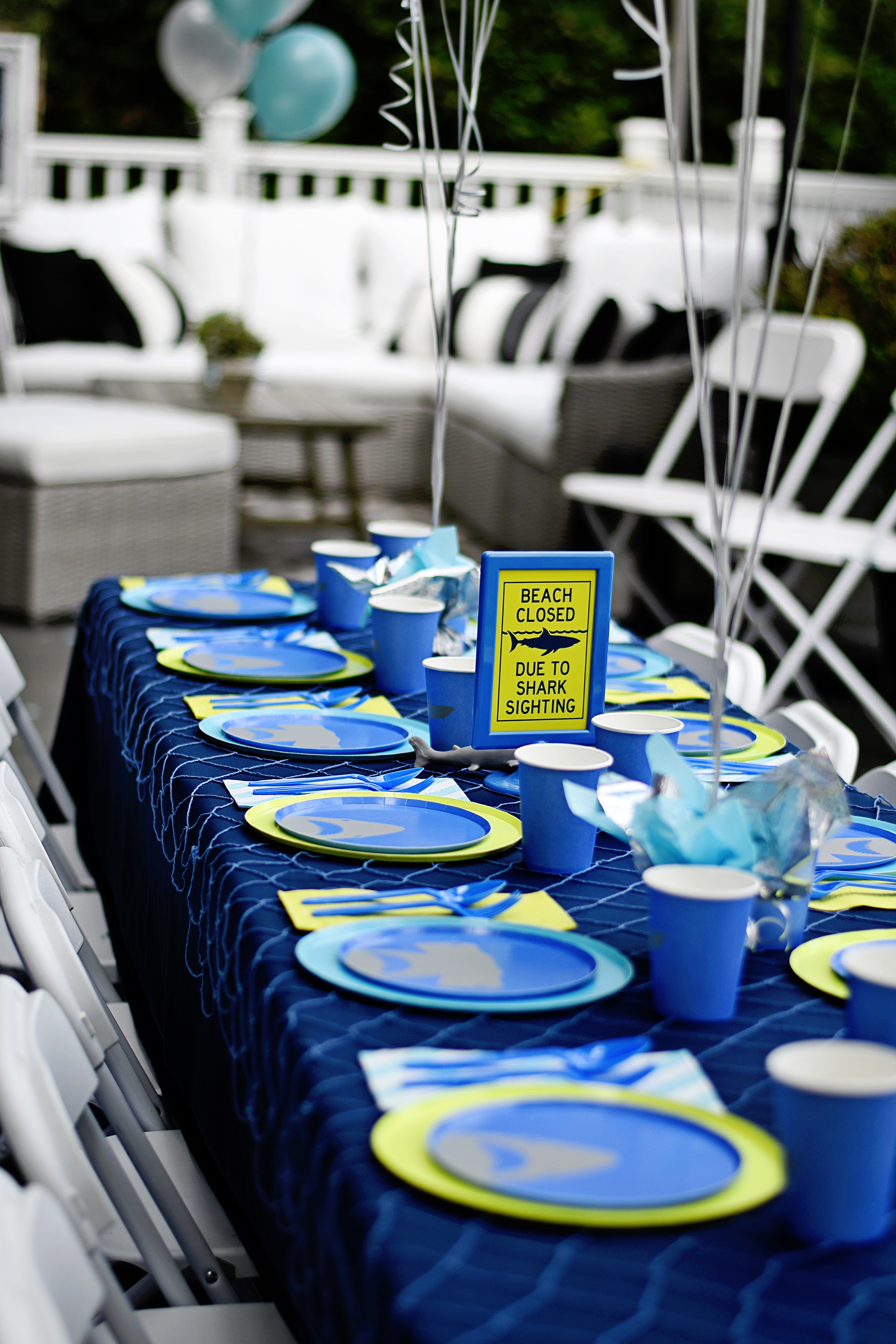 shark party dining tables