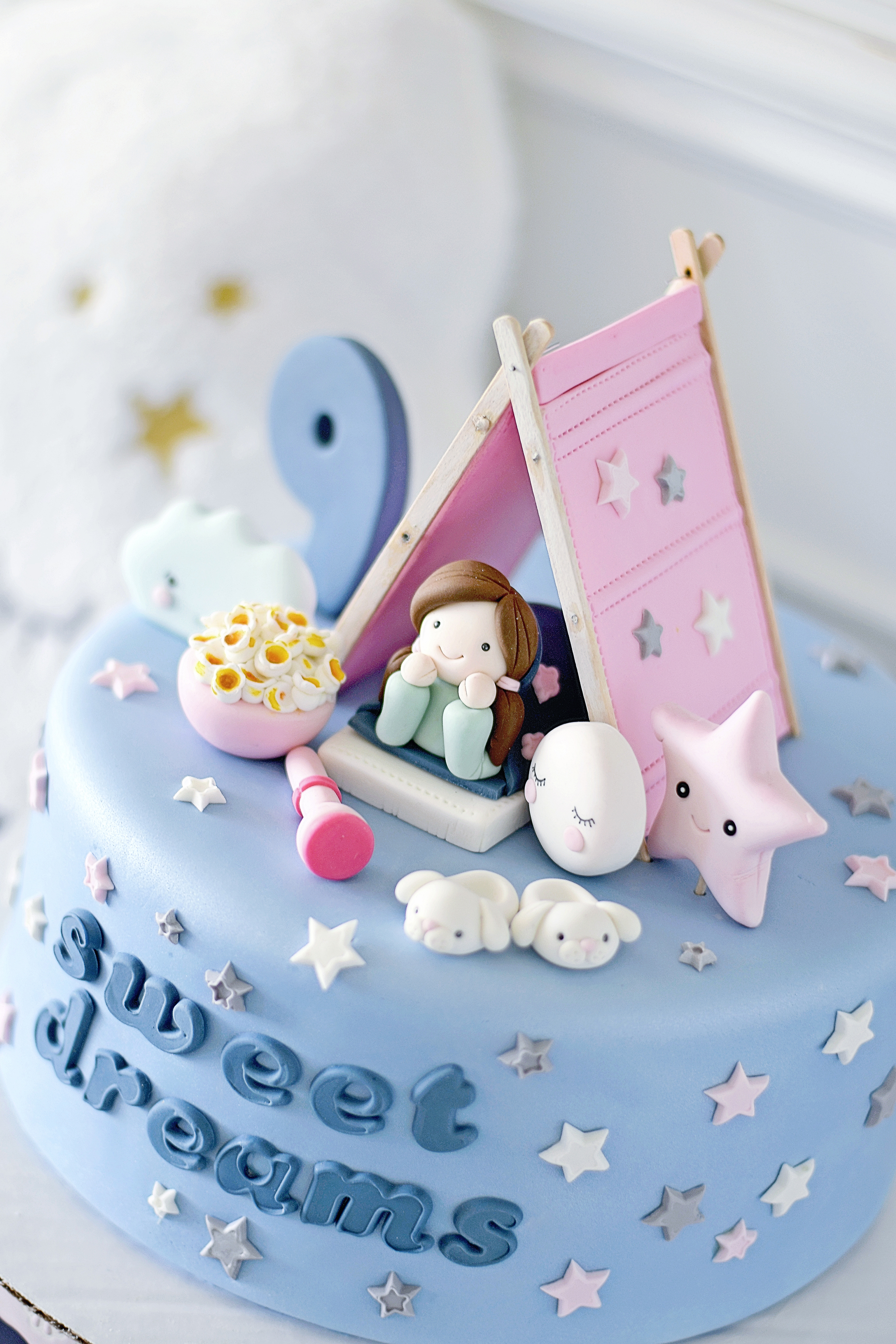 Sleepover Sleep-Under Sweet Dreams Cake by Les Pop Sweets
