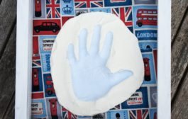 DIY Clay Hand Print Gift - Present :  Baby Hand Prints using Baki...