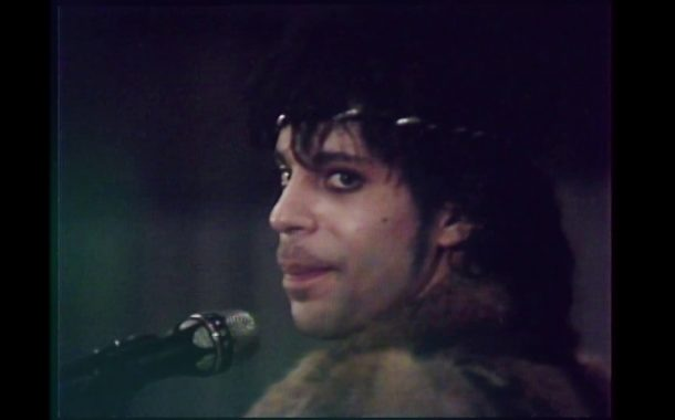 Prince - Nothing Compares 2 U (Official Music Video)...